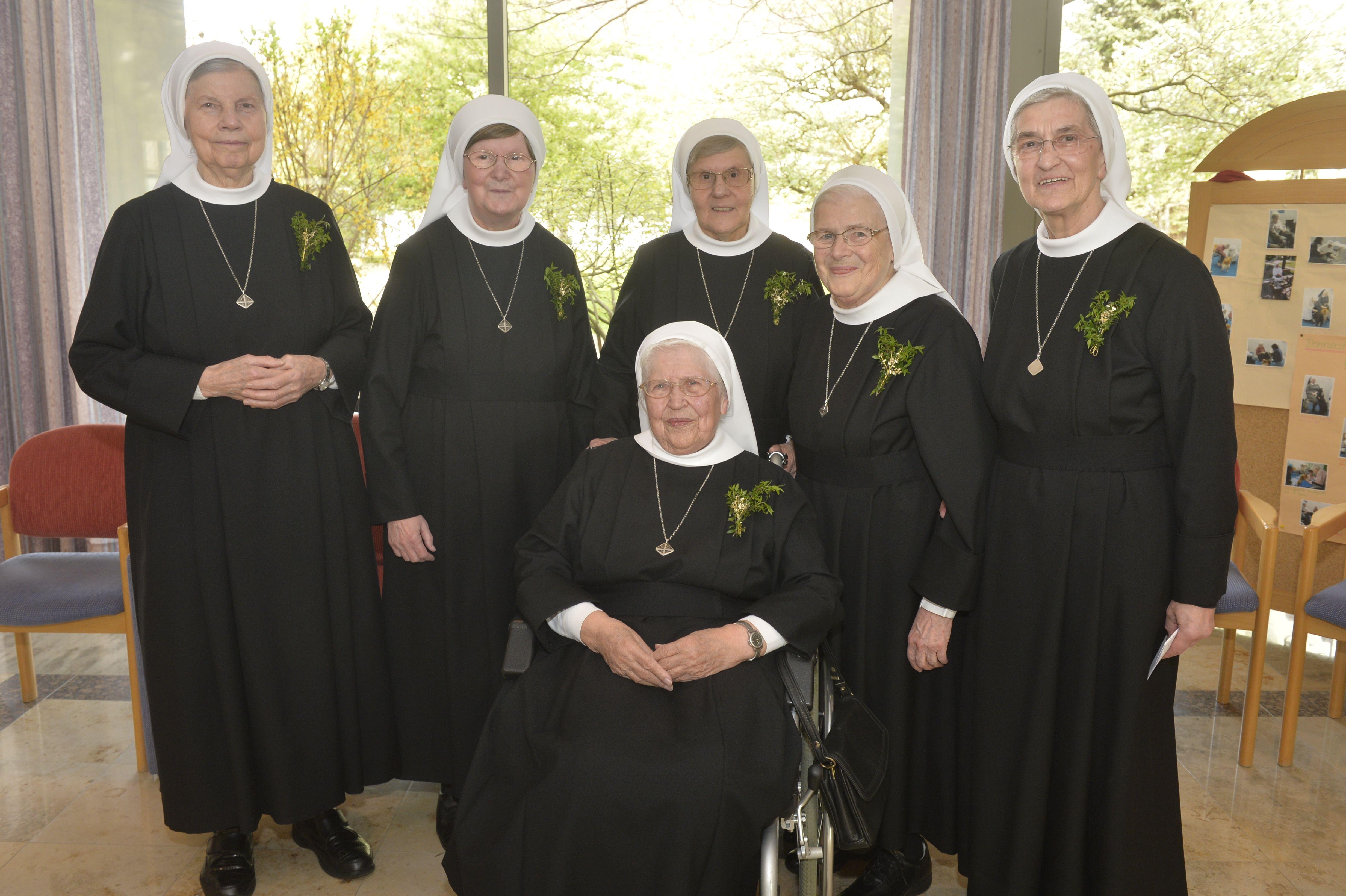Acht Schwestern aus dem Waldsanatorium feierten Professjubiläum